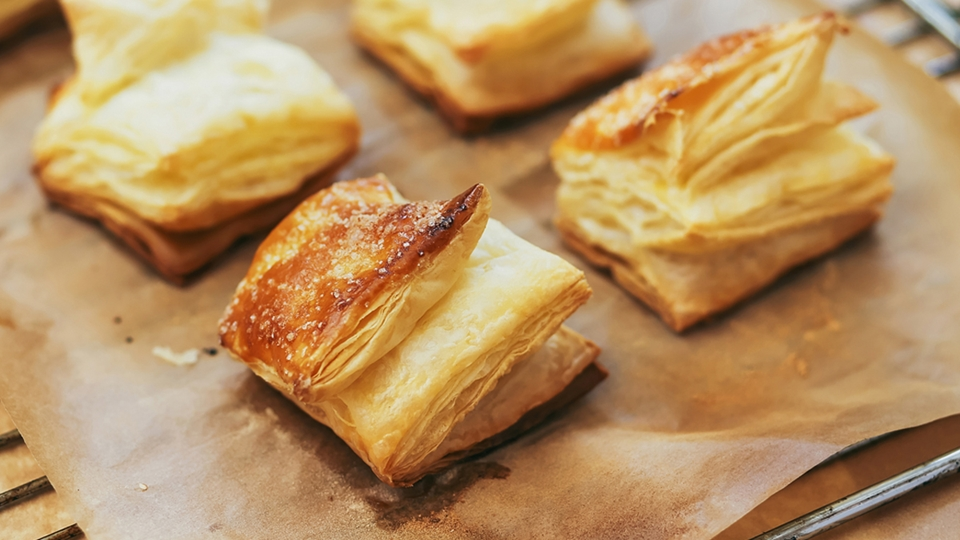 Baked pastry on a plate - Co-Development - AAK