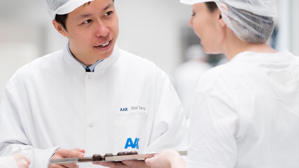 Experter från AAK i samtal på jobbet - Choklad och konfektyr - AAK