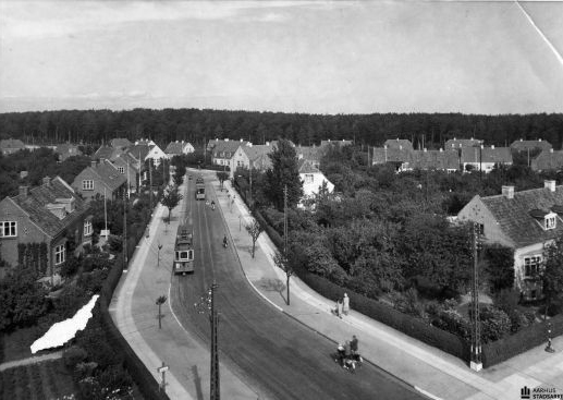Marienlund Haveby fra 1919 – døbt Skovbakken. Frederik Lausen var en af initiativtagerne, og AO solgte jorden billigt til kommunen.