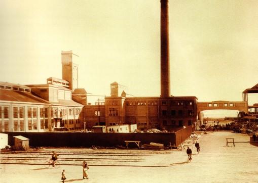 Den nybyggede havnefabrik 1919. (Foto: Aarhus Stadsarkiv)